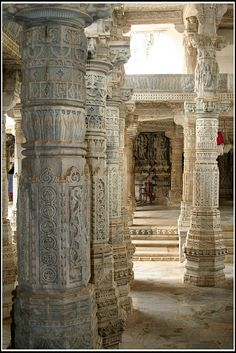 Indian columns. This looks rather like Ranakphur to me....I've been there!!!!!
