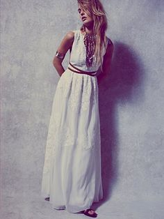 How gorg is this bohemian feel wedding dress from Free People!?  The back is MAJOR!