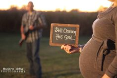 Baby girl maternity photo, for protective daddy