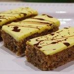 Žĺtkové rezy | Pečené-varené.sk Cocoa Recipes, Sweet Recipes, Serbian Recipes, What To Cook, Tiramisu, Sweets, Cooking, Cake, Desserts