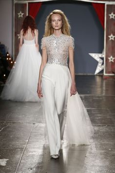 The new Jenny Packham wedding dresses have arrived! Take a look at what the latest Jenny Packham bridal collection has in store for newly engaged brides. Wedding Dress Trends, Sexy Wedding Dresses, Wedding Gowns, Wedding Blog, Wedding Ceremony, Jenny Packham Wedding Dresses, Jenny Packham Bridal, Wedding Pants, Bridal Skirts