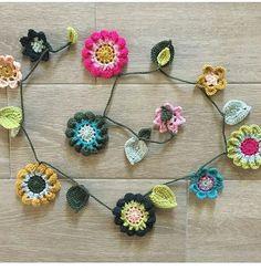 Que tal para colocar na geladeira 💙💙💙💖💖 #amor #alegria #Boanoite #flores #crochetlove #crocheted #crochetaddict #artesanato #artes #art #decorating #design #decor #redessociais #crochetinstra #enovelar #ateliedameiroca #handmade  #crochetandosonhos #flores  #feitoamão #ateliedameiroca #decoracaodeinteriores  #sempresupremo #ideiascriativas#inspiration # #coreslindas#supremo #russo#blogartesdameiroca