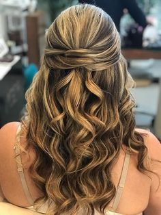 Another Canadian Bride, happy & fabulous!  #BridalHair by Natacha #BridalMakeup by Emilia for @voevolution Thanks to the DeSpacio By Etra Spa ! #AirbrushMakeup #RivieraMaya #BridalBeauty #MakeupArtistsRivieraMaya  www.vo-evolution.com Bridal Beauty, Bridal Hair, Airbrush Makeup, How To Draw Hair, Cosmetology, Bridal Make Up, Evolution, Spa, Hair Beauty