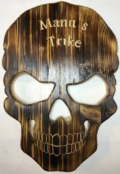 Table Lamp, Skull, Home Decor, Whittling, Diy Home Crafts, Carving, Homemade Home Decor, Table Lamps, Interior Design