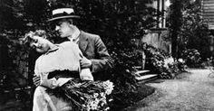 """Mia May (1884-1980) und Hans Mierendorff (1882-1955) im Stummfilm """"Hilde Warren und der Tod"""" (1917)."""