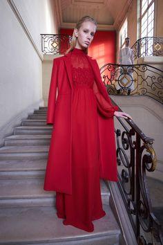 Giambattista Valli Pre-Fall 2017 Fashion Show Collection