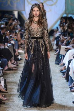 Elie Saab Couture, Couture Dresses, Fashion Dresses, Haute Couture Fashion, Haute Couture Gowns, Mode Inspiration, Fashion Inspiration, Couture Collection, Beautiful Gowns