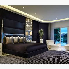 Remarkable japanese bedroom design for small space for your home Luxe Bedroom, Black Gold Bedroom, Bedroom Interior, Luxurious Bedrooms, Home Decor, Diy Home Decor Bedroom, Modern Bedroom, Japanese Bedroom, Interior Design