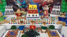 Alvin e os Esquilos (Festa) Alvin and the Chipmunks (Party)