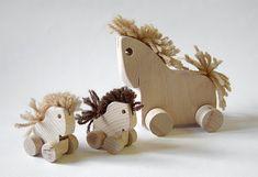 Břichopas about toys: Hračky z Jizerských hor