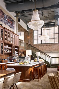 The Allis lounge and bar at Soho House Chicago | former belt factory, built in 1907 in the Fulton Market neighborhood, turned into hotel and members' club