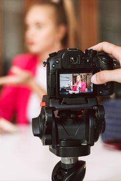 Suntem si o agenție de producție video, cu o abordare unică pentru crearea de conținut video. Vrem să colaborăm cu Antreprenori îndrăzneți care nu se potrivesc cu conținutul banal des întalnit astazi. O abordare cu adevărat nouă a producției video publicitar pentru afacerea dvs, si împreună cu o strategie de marketing video vă asigură succesul mai usor. Backpacks, Marketing, Bags, Alternative, Handbags, Dime Bags, Women's Backpack, Lv Bags, Purses