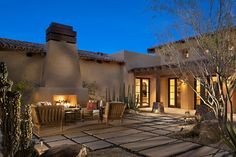 Whisper Rock Residence by Tate Studio Architects : Whisper Rock Residence by Tate Studio Architects Veranda Design, Patio Design, Courtyard Design, Paradise Valley, Stucco Colors, Paved Patio, Desert Homes, Pergola Plans, Pergola Ideas