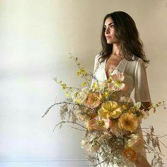 Oversized yellow bridal bouquet
