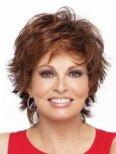 short shaggy hairstyles for women over 40