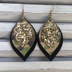 Diy Earrings And Necklaces, Diy Leather Earrings, Rose Gold Earrings, Leaf Earrings, Teardrop Earrings, Boho Earrings, Leather Jewelry, Boho Jewelry, Handmade Jewelry