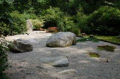 Gravel Garden - love the big boulders