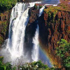 Bom dia Foz!! Nosso último dia aqui e é claro que estamos apreciando mais dessa beleza natural impressionante. Não dá pra resistir a um arco íris!