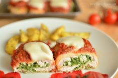 Roladki z kurczaka ze szpinakiem i mozarellą Polish Recipes, Meat Recipes, My Favorite Food, Favorite Recipes, Salmon Burgers, Poultry, Mozzarella, Sushi, Food And Drink