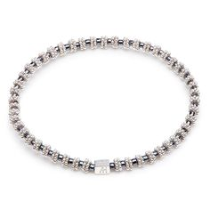 The perfect bracelet to achieve that desired bracelet stack look. Our 925 sterling silver delicate Mini Ria bracelet gives a finishing touch to any ANNIE HAAK collection. Elegantly designed with both Japanese glass beads and 925 sterling silver spacers.