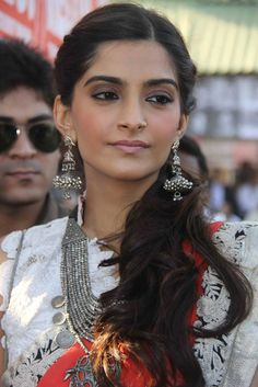 Bollywood Beauties | Sonam Kapoor