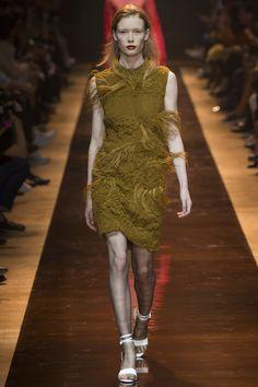 Nina Ricci Spring 2016 Ready-to-Wear Fashion Show - Julia Hafstrom (IMG)