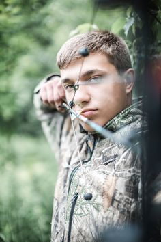 Hunting Senior Photos, Truck Senior Pictures, Outdoor Senior Pictures, Hunting Pictures, Male Senior Pictures, Senior Boy Poses, Senior Guys, Senior Portraits, Hunting Photography