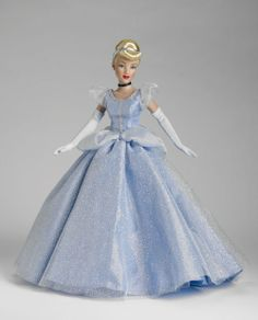 Cinderella, from Disney's Cinderella. From Tonner Dolls. Barbie Gowns, Barbie Dress, Barbie Clothes, Doll Dresses, Disney Barbie Dolls, Disney Princess Dolls, Disney Princesses, Cinderella Disney, Walt Disney