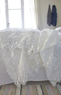 cool chic style fashion - crochet vintage white ..chic !