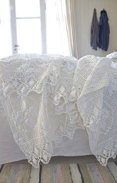 crochet vintage white
