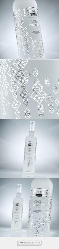 Lithuanian Vodka Gold & Diamond packaging by Studija CREATA Glass Packaging, Cool Packaging, Beverage Packaging, Brand Packaging, Wine Design, Bottle Design, Label Design, Branding Design, Package Design