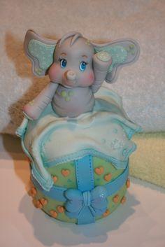 Elephant cake - cuteness overload!  That elephant is beautiful!!