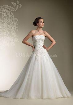 Romantic Strapless Princess Floor Length Tulle Chapel Train Wedding Dresses  #ballgown #weddingdress