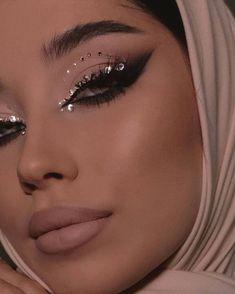 Dope Makeup, Edgy Makeup, Makeup Eye Looks, Pretty Makeup, Beauty Makeup, Dramatic Makeup, Stunning Makeup, Pink Eyeliner, No Eyeliner Makeup