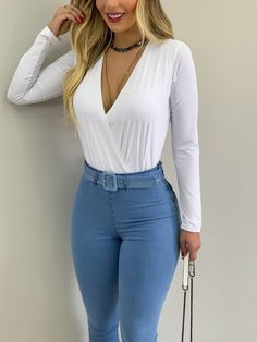Teen Fashion Outfits, Girl Fashion, Cool Outfits, Casual Outfits, Light Blue Jeans, Classy Casual, Weekend Outfit, Sexy Dresses, Ideias Fashion