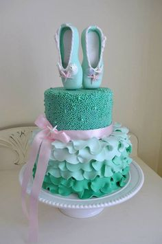 Dancers will love these fifteen ballerina cakes, cookies, and cake pops below. Pretty, pink, and absolutely delicious-looking, these baking masterpieces are great inspiration for those who want to ...