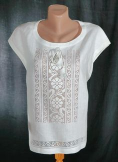 Яна Мовчан | ВКонтакте Crochet Blouse, Crochet Lace, Filet Crochet, Crochet Stitches, Drawn Thread, Folk Fashion, Heirloom Sewing, White Embroidery, Dressmaking