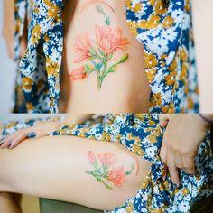 Lovely . . #tattoo #tattooist #flowertattoo #nandotattoo #colortattoo #thightattoo #koreatattoo #타투 #타투도안 #문신 #꽃타투 #허벅지타투 #컬러타투 #난도타투 #타투이스트 #난도#BOTANIC#COLORED