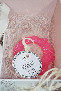 Pudełko z baletnicą - prezent na chrzciny dla Amelki Christmas Bulbs, Presents, Baby Shower, Decoupage, Holiday Decor, Children, Handmade, Gifts, Diy
