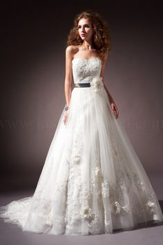 F371 - one of the most loved wedding dresses at Isa'dorable
