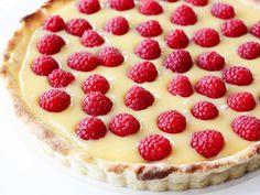 Creamy Lemon and Raspberry Tart Recipe