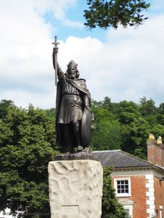 Statue of King Alfred in Winchester, Hampshire, England Winchester England, Winchester Hampshire, Hampshire England, Alfred The Great, South East England, Best Cruise, Tourist Information, Lake District, France Travel