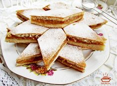 Placinta-cu-mere-6 Romanian Desserts, Romanian Food, Quiche Recipes, Cake Recipes, Nutella Muffins, Torte Cake, Homemade Sweets, Good Food, Yummy Food