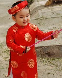 39d409c83 Vietnamese dress (ao dai) Vietnamese Traditional Dress, Korean Traditional,  Traditional Outfits,