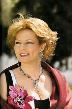 Princess Margareta of Romania Principesa Margareta a Romaniei Parma, Queen Mary, Queen Anne, Queen Elizabeth, Michael I Of Romania, Romanian Royal Family, Royal Hairstyles, Royal Families Of Europe, Royal Jewelry