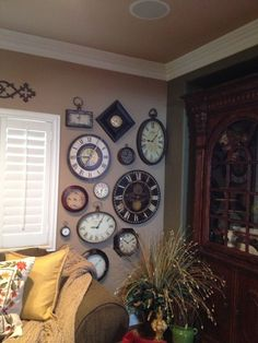 Kitchen Wall Clock Decor Display 30 Ideas For 2019 Classic Home Decor, Classic House, Wall Clock Design, Clock Wall, Wall Art, Clock Decor, Clock Display, Kitchen Wall Clocks, Room Decor