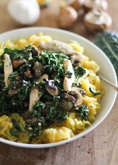 Garlicky Spaghetti Squash with Chicken, Mushrooms, and Kale #glutenfree #paleo