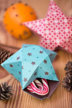 askar med mallar - boxes with templates - Origami Christmas Ornament, Christmas Crafts, Christmas Decorations, Christmas Ornaments, Christmas Christmas, Paper Crafts Origami, Handmade Ornaments, Crafty Craft, Merry Xmas