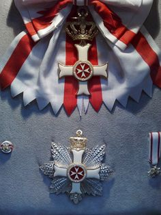 Breast Star, Miniature, Rosette and Riband Cross of a Grand Cross of the Order pro Merito Melitensi (Civil Class). Military Signs, Military Ranks, Military Orders, Malta, Military Decorations, Grand Cross, Coat Of Arms, Custom Stuff, History