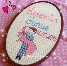 This Pin was discovered by Cam Hobbies And Crafts, Diy And Crafts, Cross Stitch Alphabet Patterns, Palestinian Embroidery, Cross Stitch Baby, Paper Quilling, Cross Stitching, Needlepoint, Embroidery Patterns
